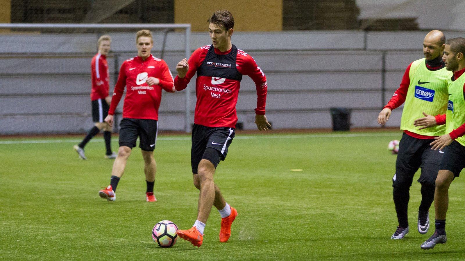 Fredrik Pallesen Knudsen på trening i Vestlandshallen 24. januar 2017.