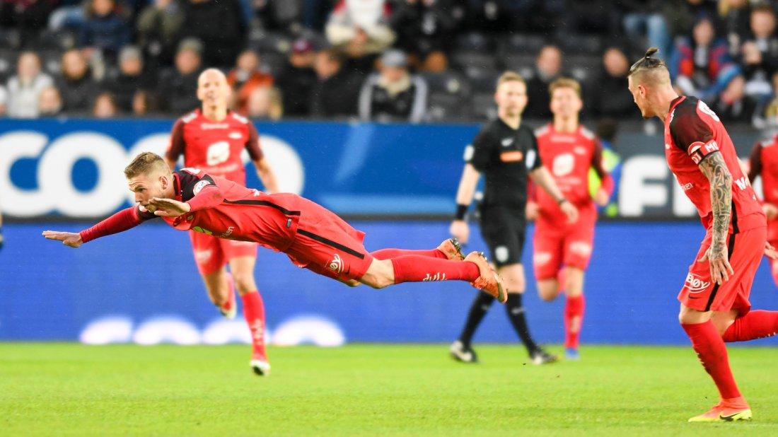 MER JUBEL I VENTE: Slik feiret Gilli da han utlignet til 1-1 mot Rosenborg. I år tror han det blir mye mer å juble for.
