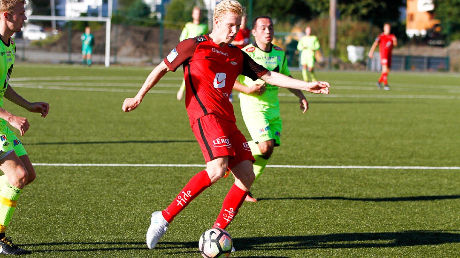 Even Vetås i kamp for Brann 2 mot Fjøra i Norsk Tipping-ligaen avdeling 4 på nymarksbanen 2. september 2017.