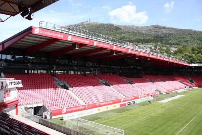 HOVEDTRIBUNEN: Sparebanken Vest-tribunen er Stadions største og nyeste tribune.